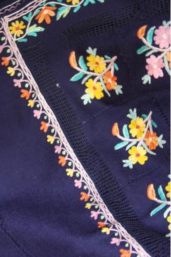 Oasis flowers macrame shawl